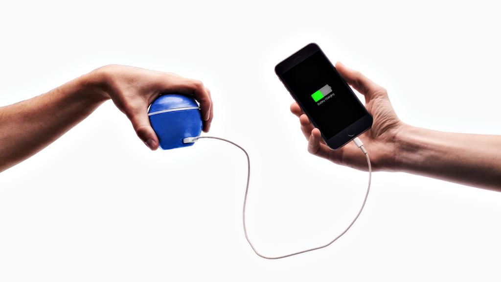 sạc điện thoại, năng lượng cơ thể người,