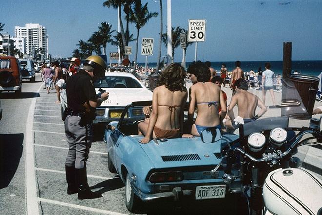 'Cop Arrests Girls in Bikinis', Ft. Lauderdale Beach Evangelism Project, Florida 1979