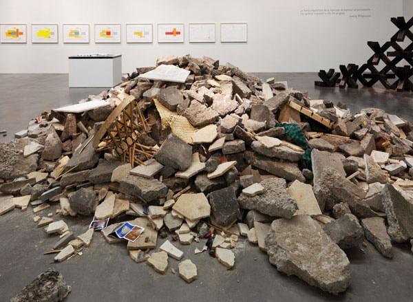 """""""Destrucción total del Museo de Antropología,"""" 2012"""