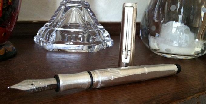 Ilex with fountain pen end