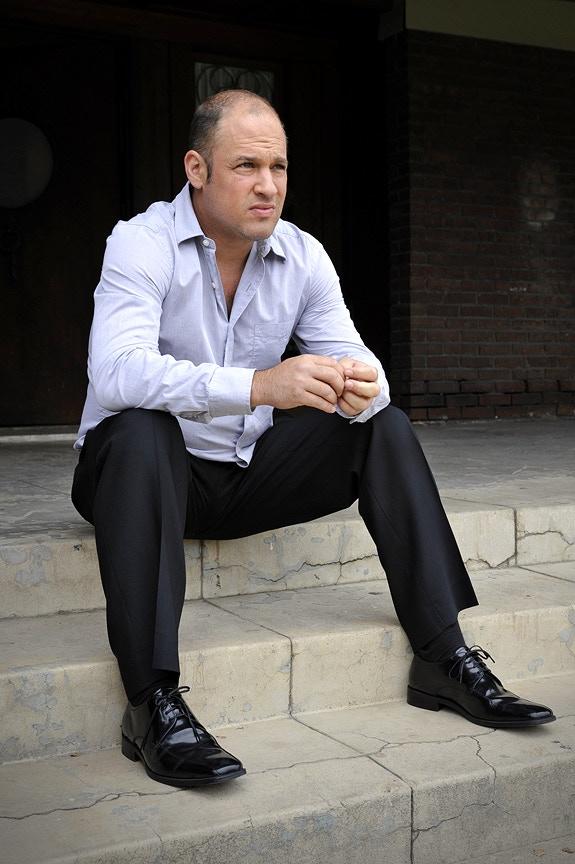 Jonathan Klein as Dave Ross