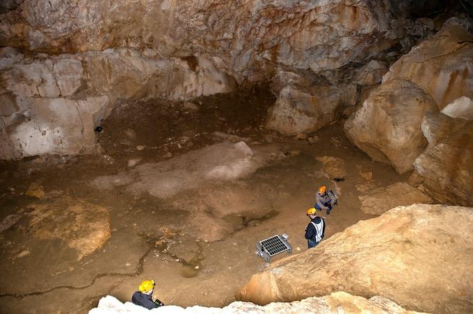 Asimov R3A exploring a cave in the Austrian Alps