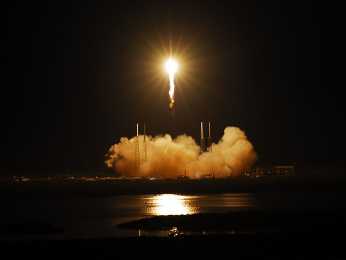 SpaceX Falcon 9/Dragon launch from Cape Canaveral AFS, 22 May 2012