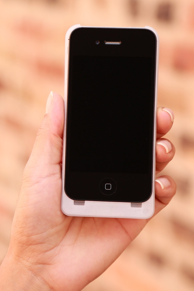 iExpander for Iphone 4/4S in White (Final version will not be translucent)