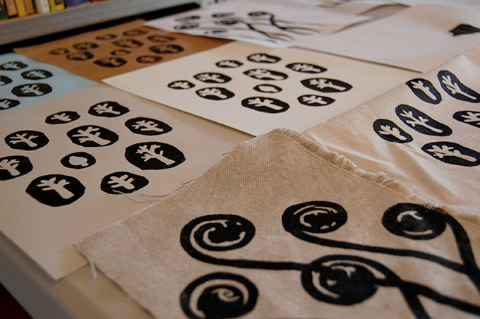 ADULT+KID'S CLASS REWARD:Screen printing on fabric. Lena Corwin
