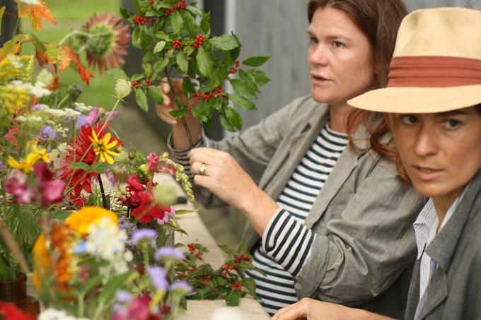 ADULT CLASS REWARD: Flower arranging. Ariel Dearie