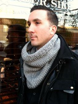 Kelly Christiansen's grey hand-kit cowl scarf (unisex)