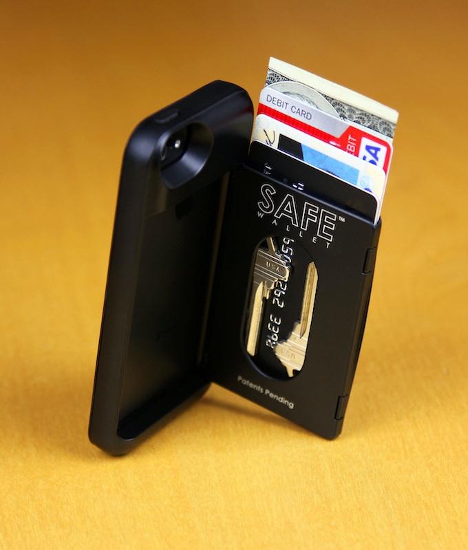 BulletTrain SAFE Wallet Shown in Matte Black With House Keys