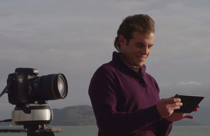 Control your DSLR and Swivl from your iPad