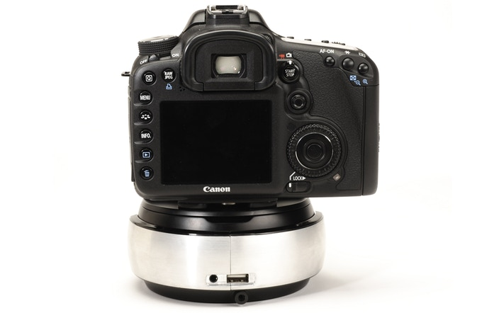 Made for DSLR cameras in addition to mobile devices