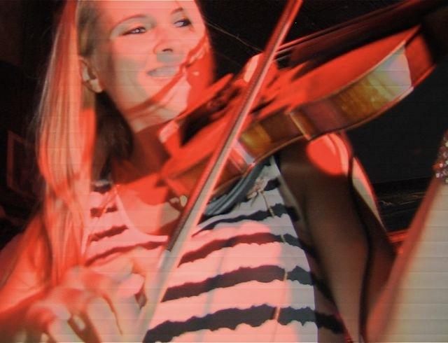Stephanie Gertken on fiddle