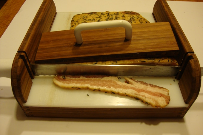 Making clean even slices of your homeade bacon