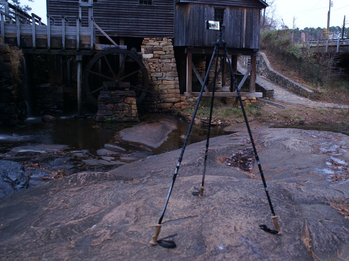 3- pole configuration with iPhone mounted