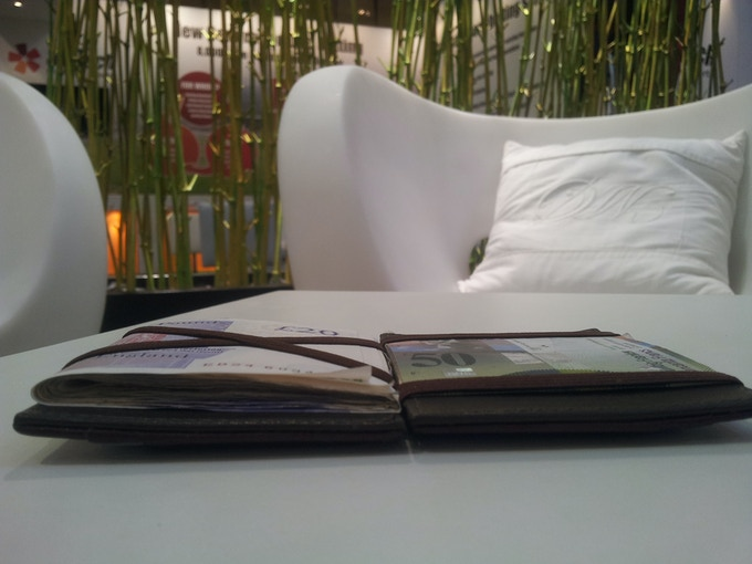 Slim, modern and quality wallet!