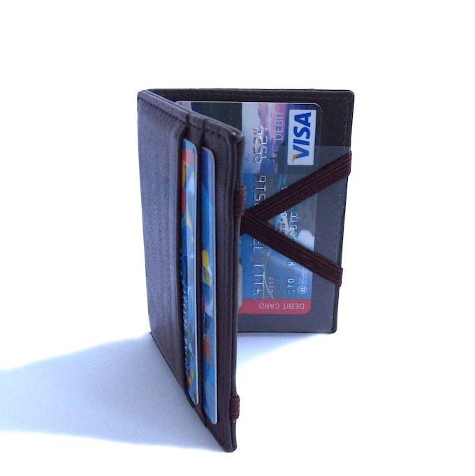 Transparent pocket built inside the WalleD now!