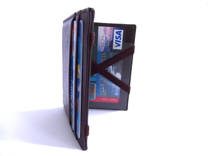 Transparent pocket RFID protected