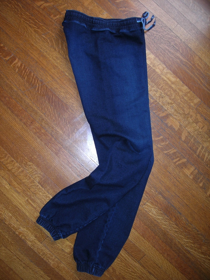 'Sweatpant' shown in color/finish: Bright Rinse and available without elastic leg opening