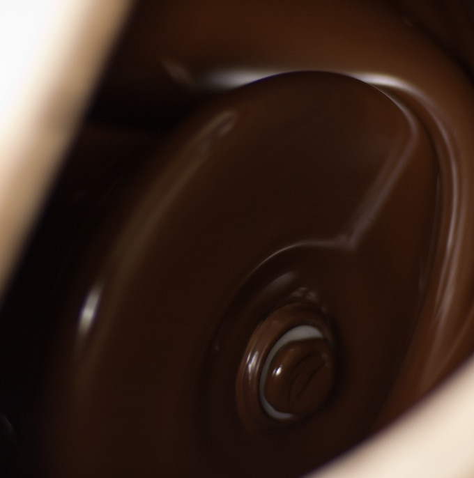 Chocolate refining in a melanger.