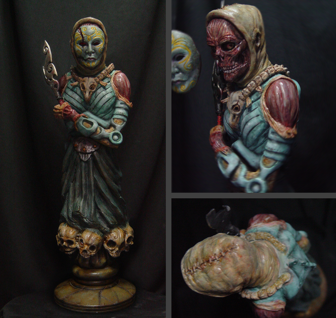 The First Castoff Statuette (with detachable mask) from the $2000 reward tier. (Statuette by www.imaginerick.com)