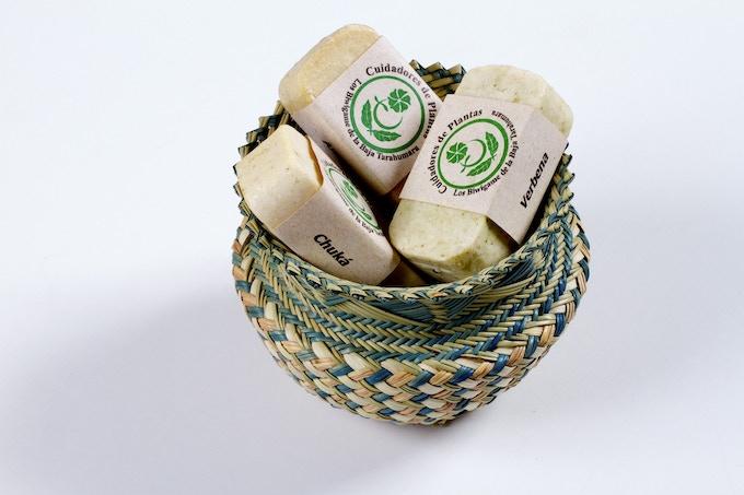 Ware and hand made soaps - ware con jabones echos a mano