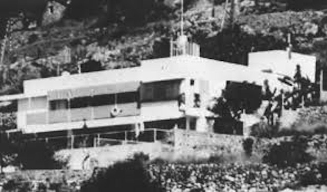 This early photograph of the Villa E1027 highlights Gray's extraordinary vision at a time when Modern Architecture was in its very beginnings.