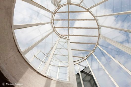 The spiral staircase leading to the roof of E1027.
