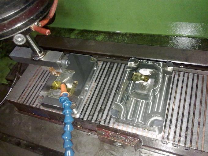 ES2 - Single Cavity Steel Mold