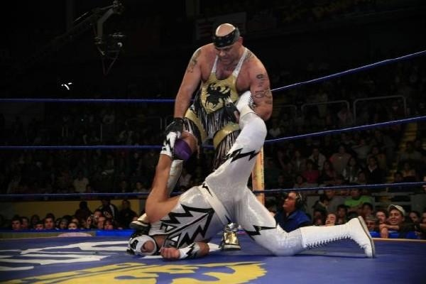 Konnan in action