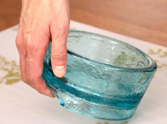 Ergonomic handle in use