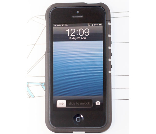 The GENII and iPhone 5 fit securely together