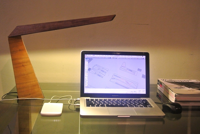 The bright and special no glare LED on your working desk provides an ideal working environment.