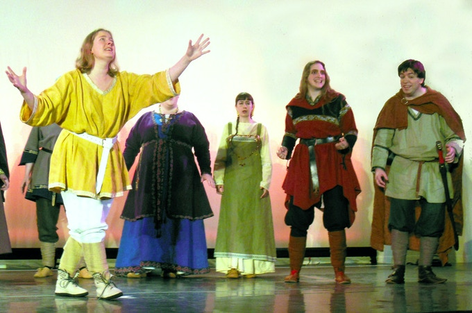 Baldur tells the other gods about the dream which foretells his death.