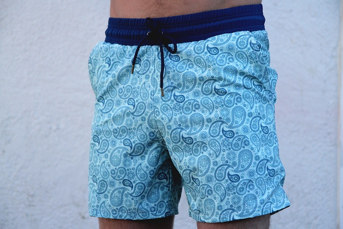 The Blue on Mint Paisley (Size on Model - S/M Regular)