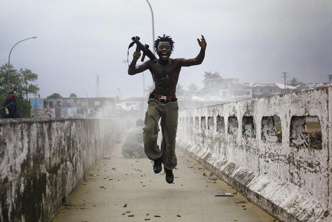 Joseph Duo in the Liberian Civil War © Chris Hondros/Getty Images