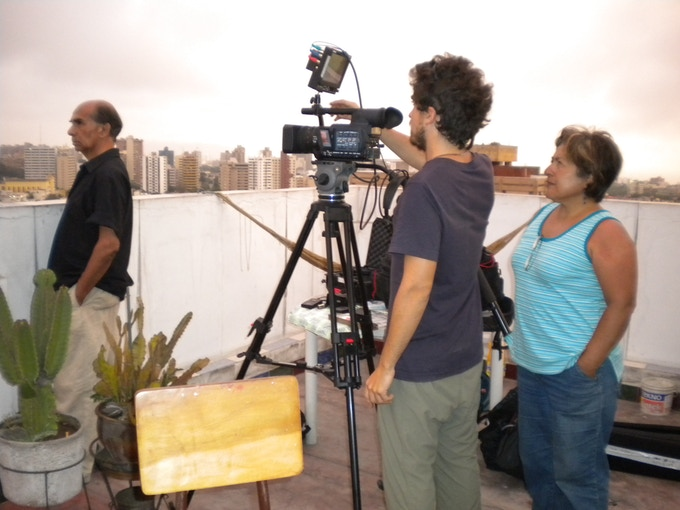 Directors Carmen Valdivieso Hulbert and Michele Cinque shooting in Lima in 2010.