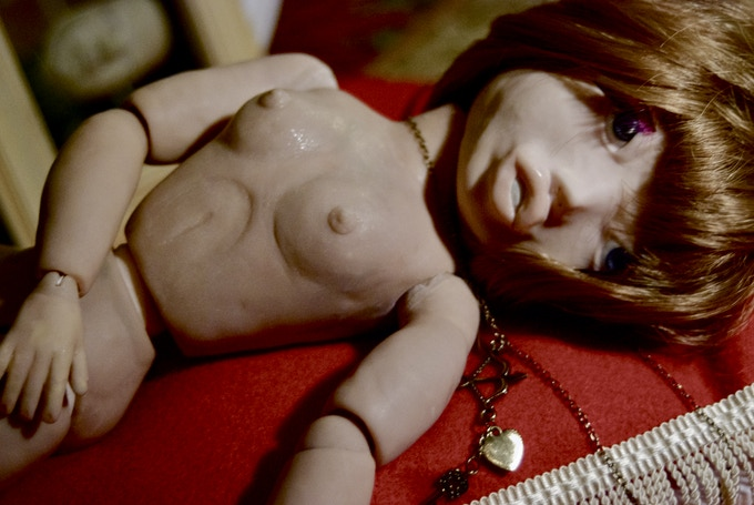 (Can YOUR dolls pose nude like this?!!)