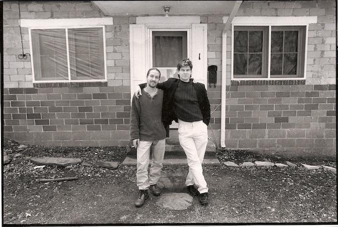 Greg Campbell and Chris Hondros © Evan Eile