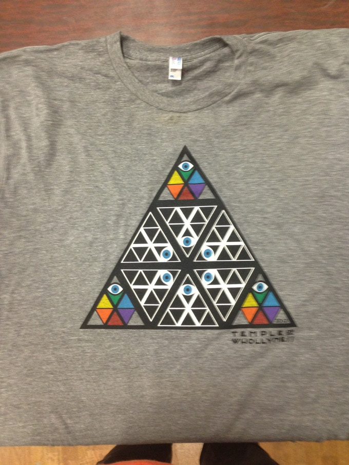 T-shirt with Temple stained glass logo