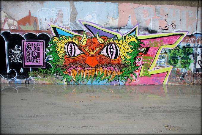 Paint Louis riverfront flood wall