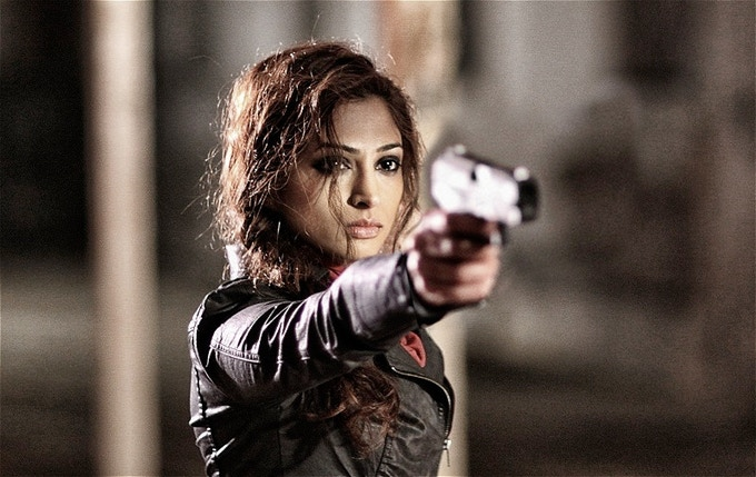 Neerja Naik stars as Pari, an Afghan smuggler in Hackney's Finest