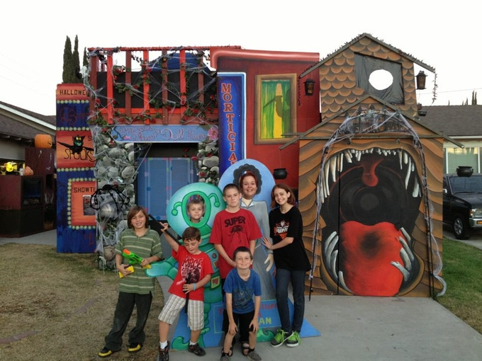 The children of El Bugito on the final night before disassembly began.