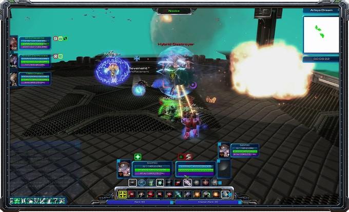 An intense boss fight in multiplayer.