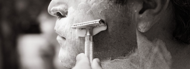how to keep safely the shaving razor