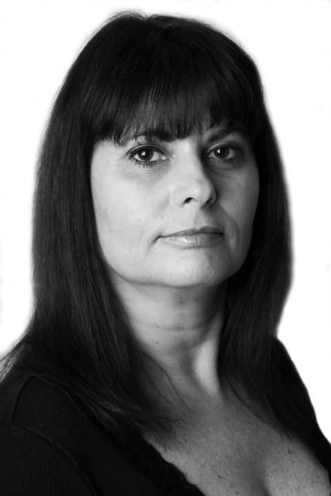 Karen Payne is Violet Buxton