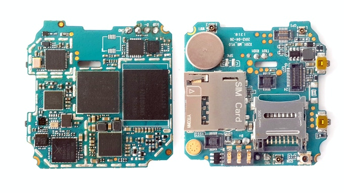Creating technology to fit design, rather wrapping design around technology - Omate TrueSmart's internal board, a full fledge smartwatch smartphone in a tiny footprint