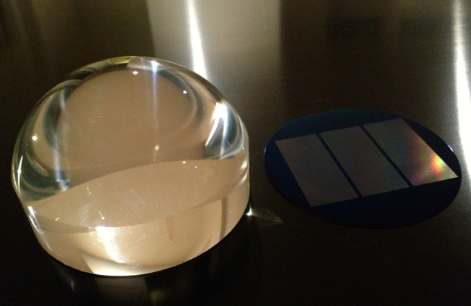 "#nanojemspiproject display piece viewer next to 3"" million digit crystal"