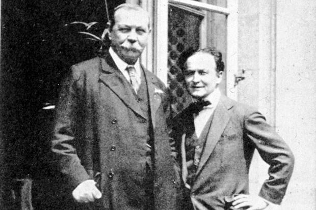 Harry Houdini & Arthur Conan Doyle - mysterious circumstances drew them together and would eventually force them apart!