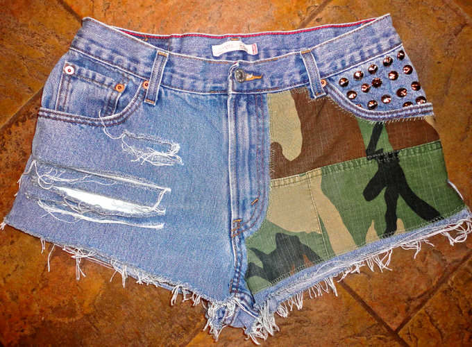 Camo shorts for Stubborn Jeans.  Rock these.