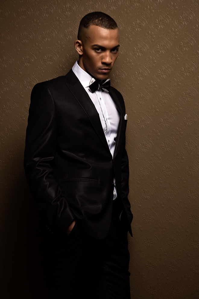 The Black & White Diamond Point bow tie is James Bond friendly. Photo by Machuca Photography.