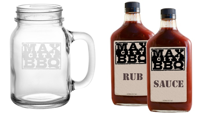 Take MAX CITY BBQ home with you with our custom Mason Jar Branded glasses and our BBQ SAUCE & RUB.